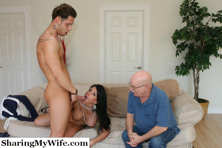 из-за порно муж привел старика выебать жену них происходит просто